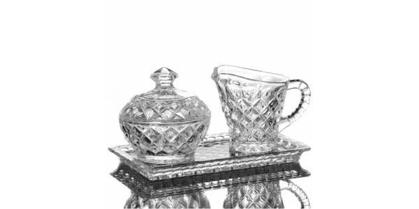 Set cristal: plateau, sucrier et pot à lait